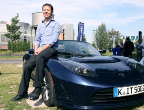 """Tesla Motors: l'azienda """"perdente"""" segna record mondiali con soli 300 euro!"""