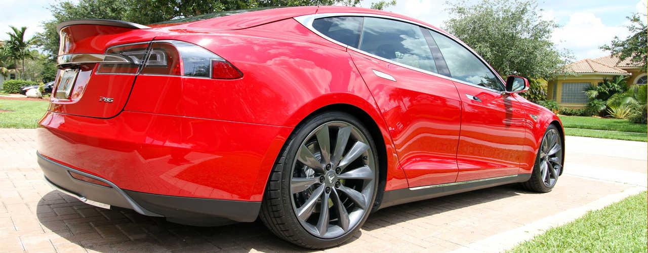 TeslaModelS-rossa