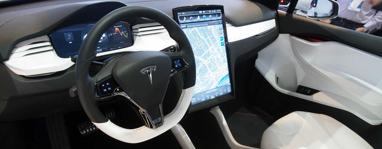 TeslaModelX-interni
