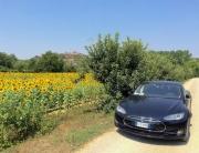 Tesla Model S a Certaldo, Toscana