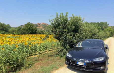 Tesla-Model-S-Certaldo-Italy