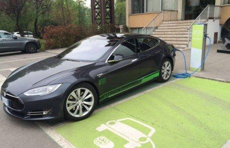 Tesla-Model-S-DUEEnergie-DufercoEnergia