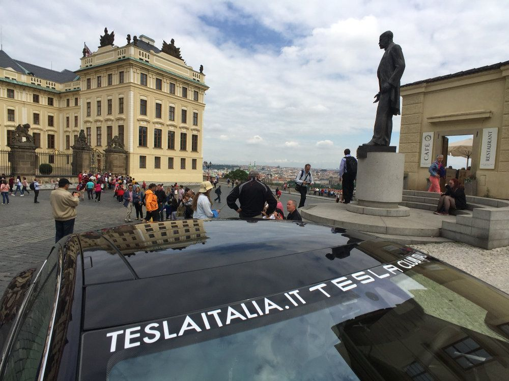 Tesla World Tour di Ecolibera