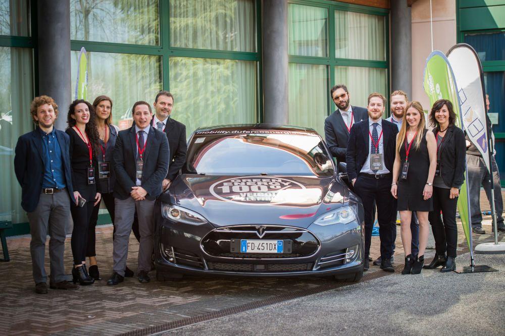 Parte del Team Mobility di Duferco Energia presente al Tesla Club Italy Revolution 2017