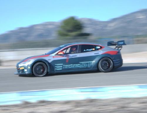 Electric GT, Tesla Model S su pista